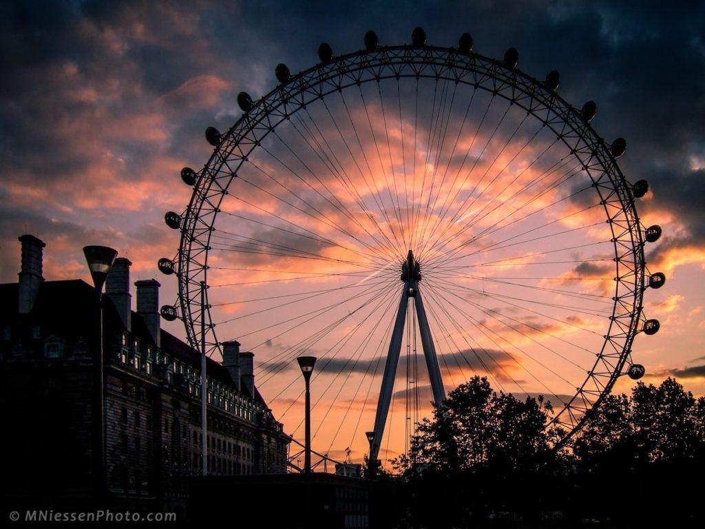 il london eye al tramonto